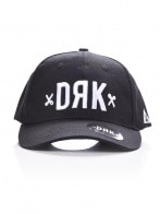 CURVED DRK SRTAPBACK BLACK